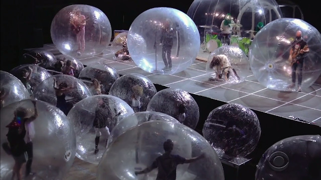 Wayne Coyne Details Flaming Lips Bubble Concert